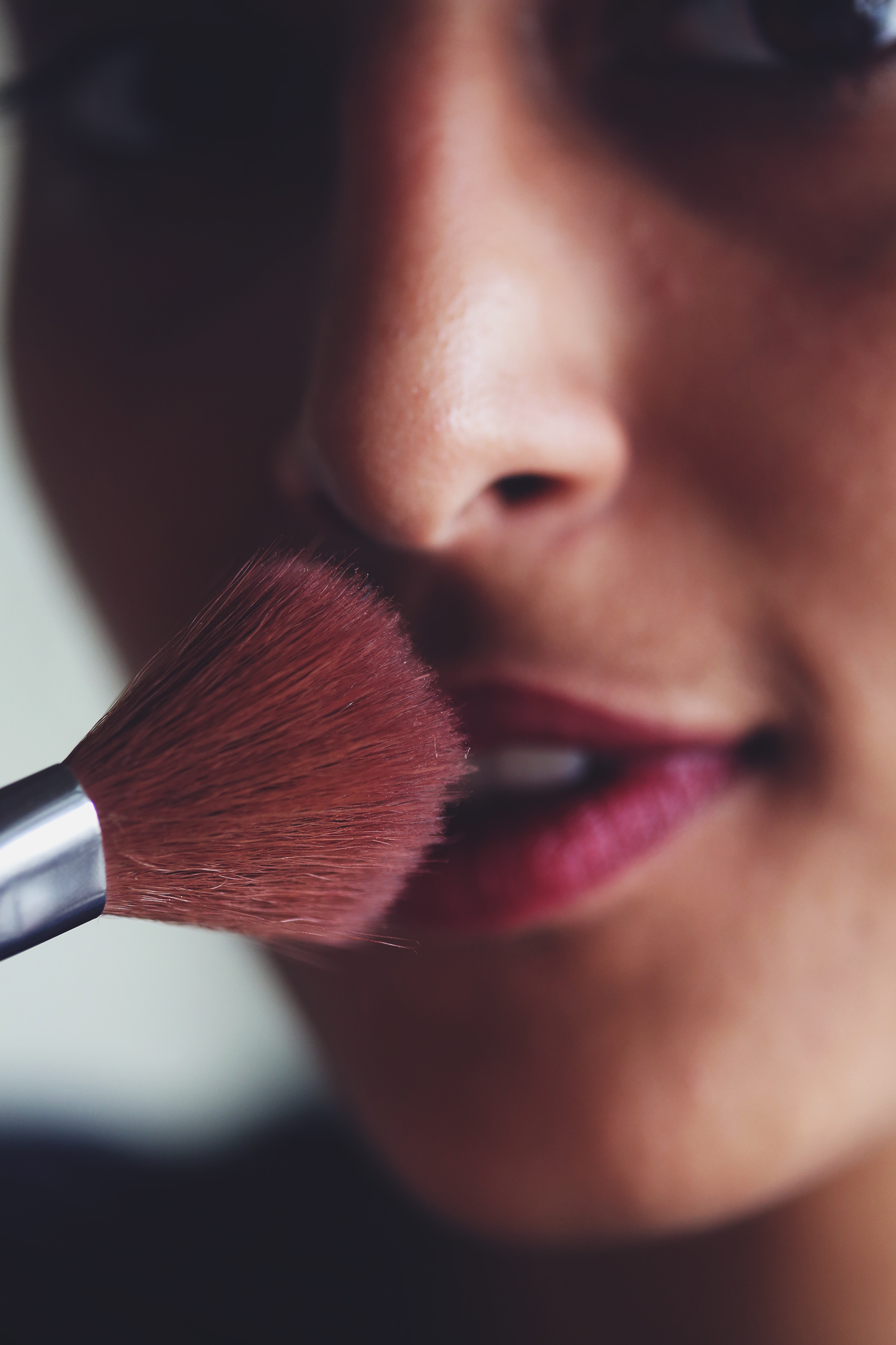 how to get lipstick to last all day